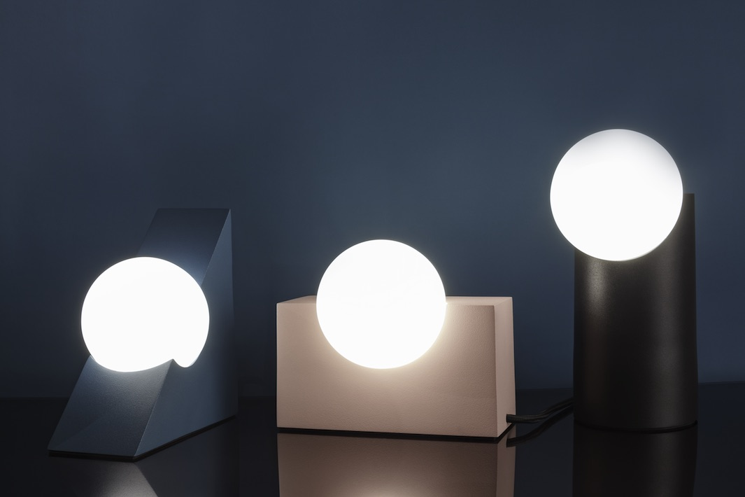 Milligram studio lighting